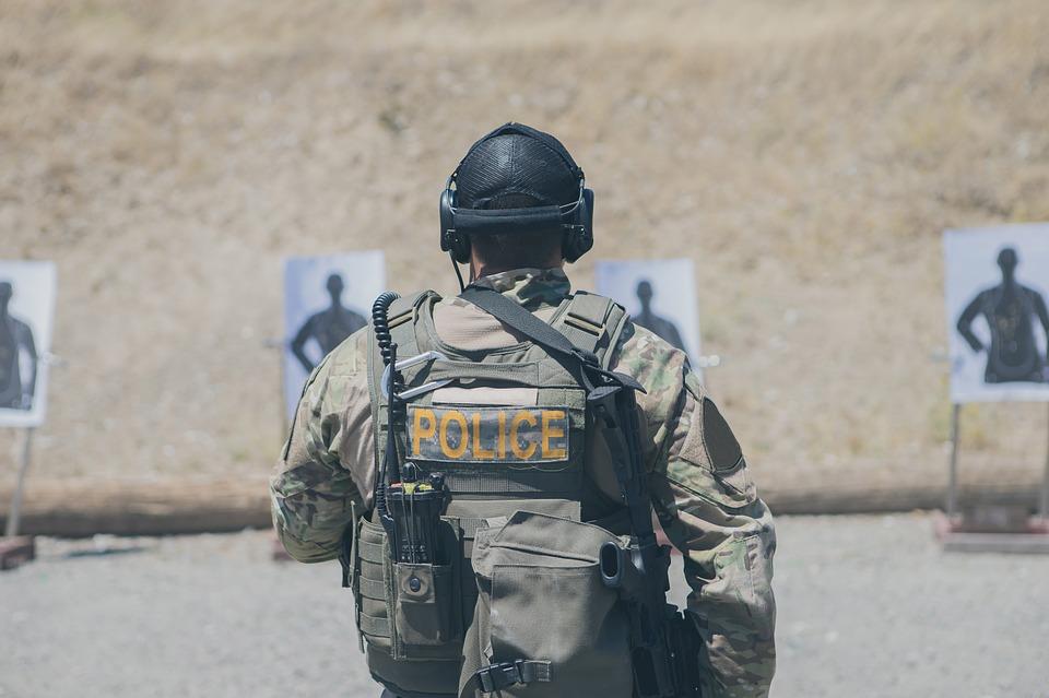 A inscrição para o Concurso da Policia Militar, curso preparatório, viagem de férias, concurso público